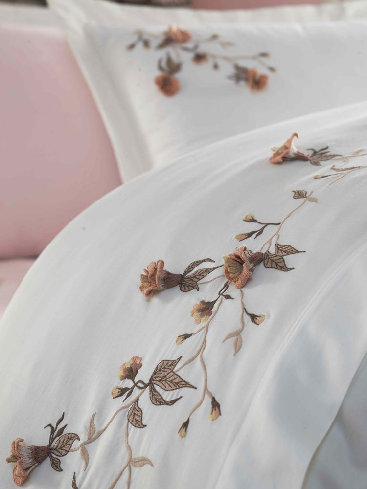 Bedding Set Flowers In The Snow Versal
